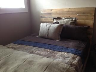 Bedroom015